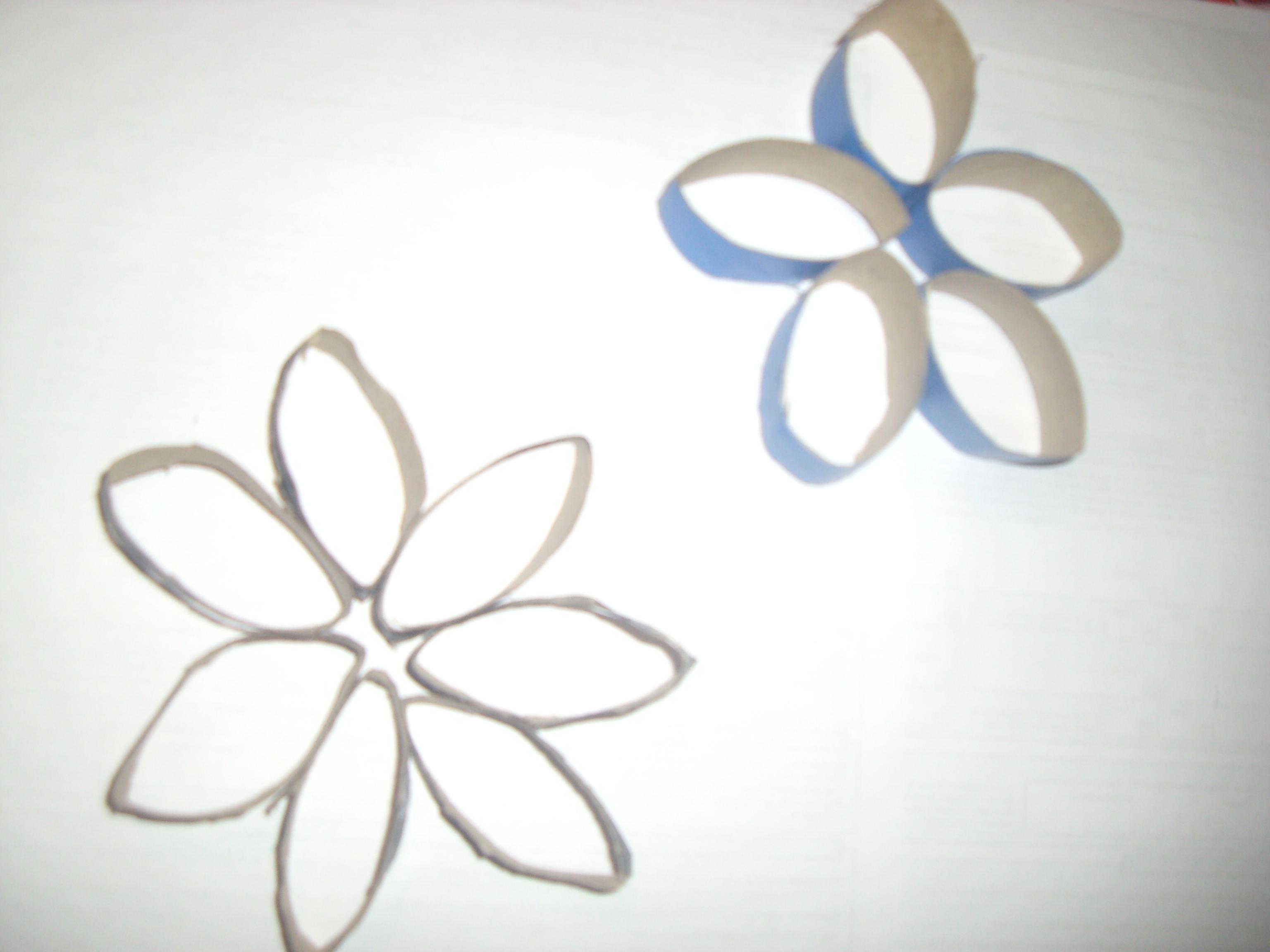 Una manualidad f cil flores de papel higi nico maternidad continuum - Que hacer para no aburrirse en casa ...