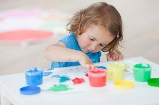 Ideas para disfrutar en vacaciones con tus hijos aunque llueva maternidad continuum - Que hacer para no aburrirse en casa ...