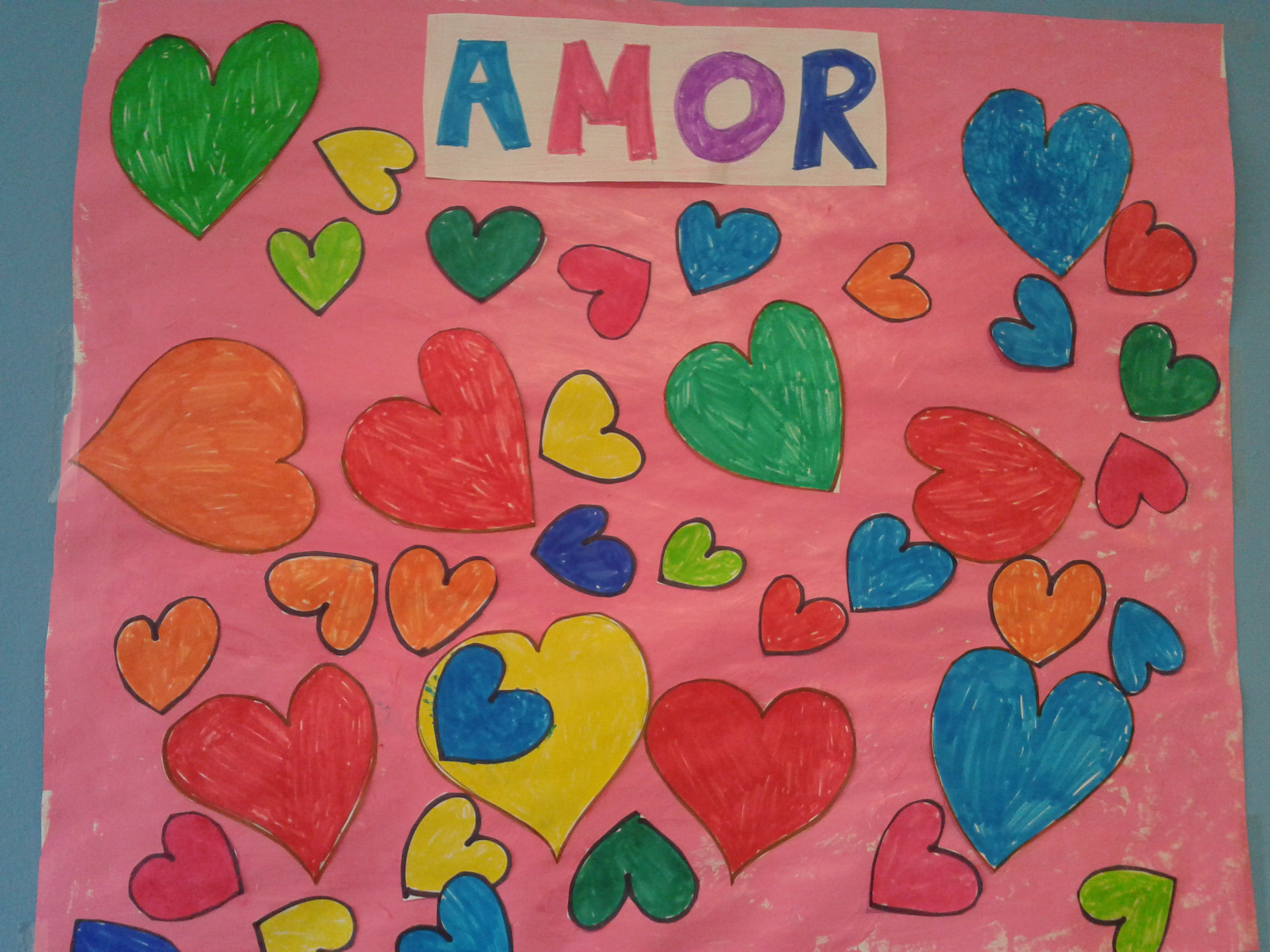 Ideas para celebrar san valent n en familia maternidad for Mural una familia chicana
