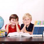 ¿Los hermanos múltiples deben ir juntos o separados en la escuela?