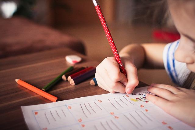 niña_estudiando