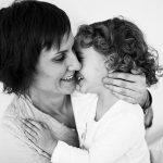 Consejos para fotografiar la complicidad, la interacción y las relaciones que se crean entre tú y tus hijos